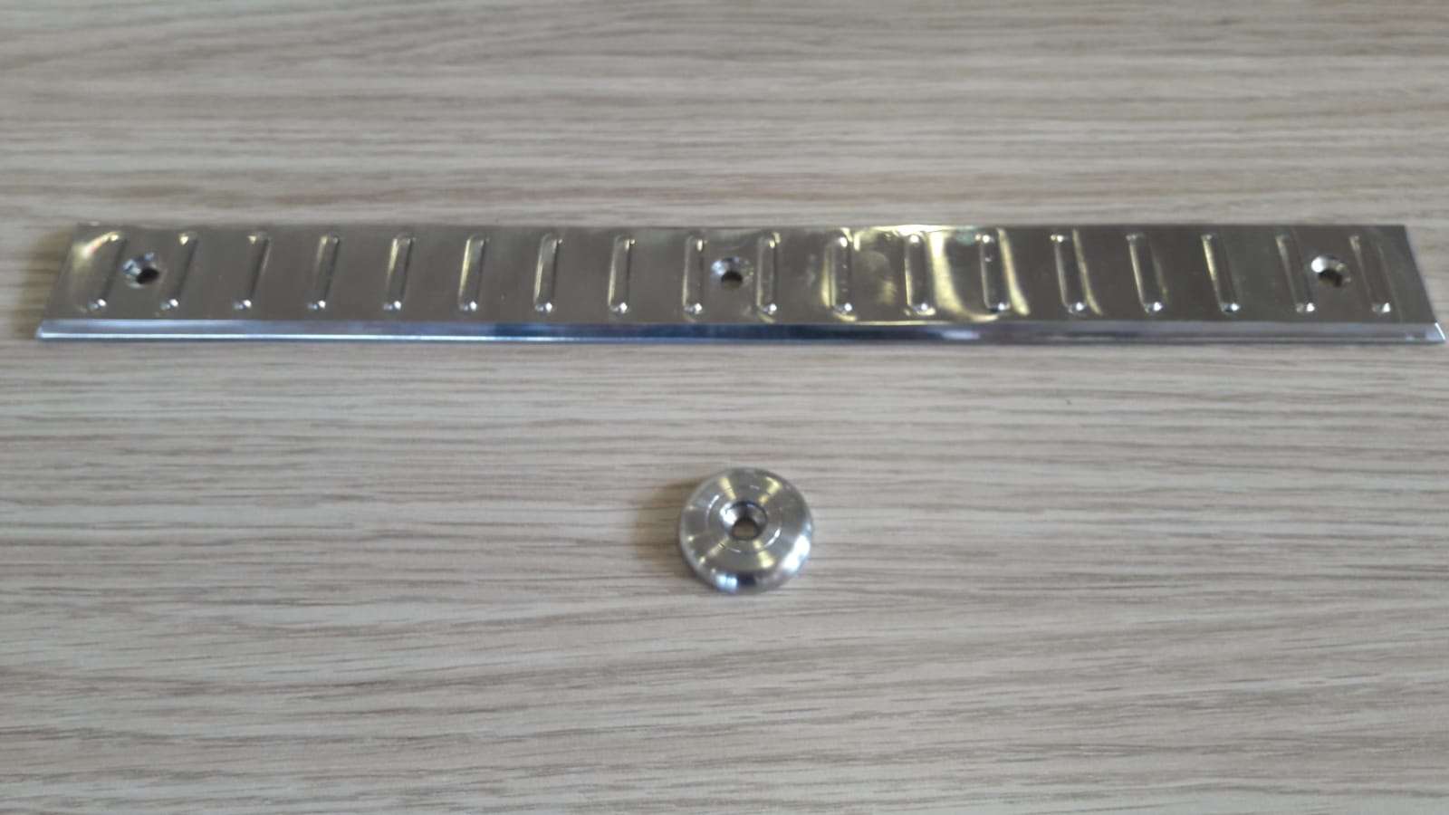 STAINLESS PLATE-STAINLESS POINT